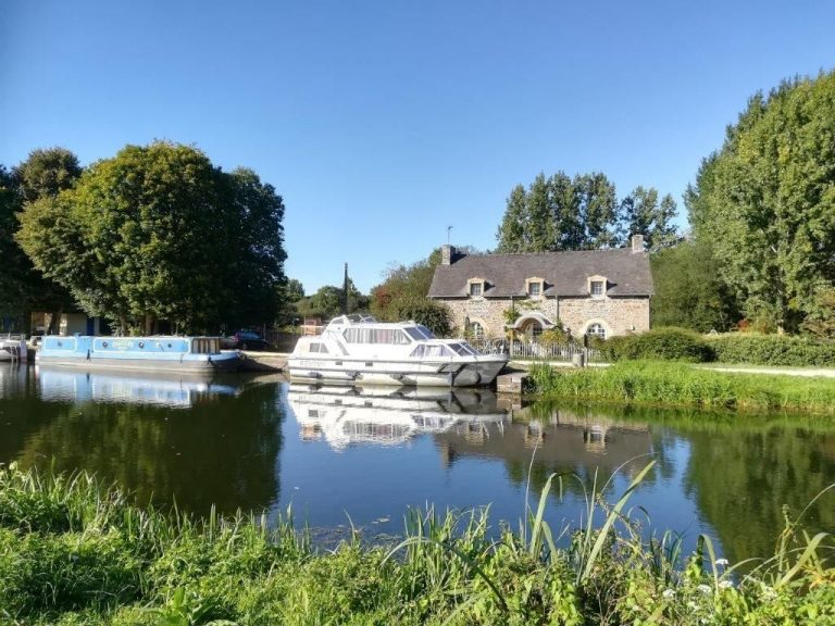 canal cottage evran
